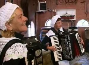 holland accordion