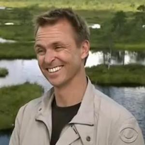 estonia phil keoghan 4
