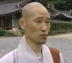 gyeongju monk 3