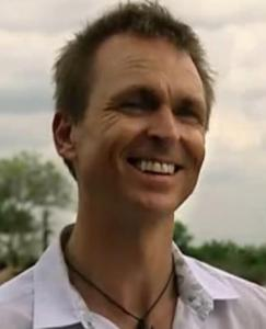 accra phil keoghan 10