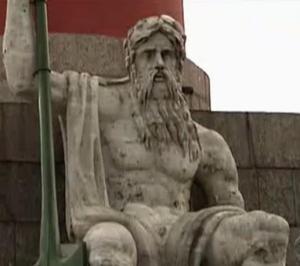 st petersburg statue