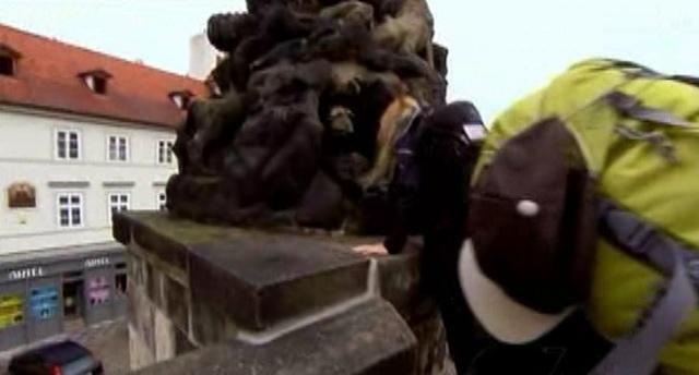 prague statue 1