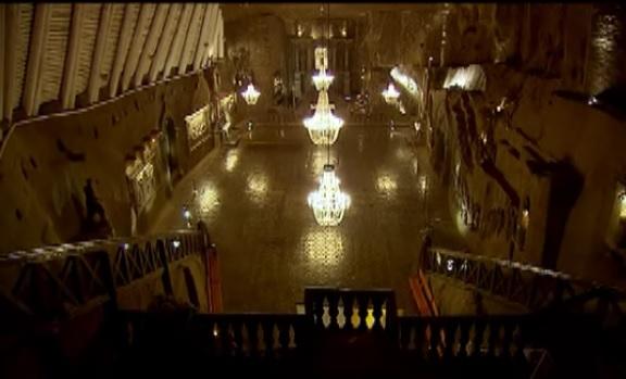 krakow chandelier
